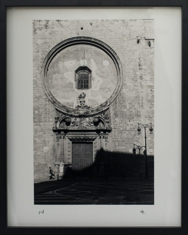Classical Architecture, Valencia, Spain, Grand, Shadow, Passer By, Alan Falzon, Fotographija, Hand Printed Exhibition, Silver Gelatin, Darkroom, Fine Art, Traditional, Hand Made, Unique Prints, Photography, Splendid, Valletta